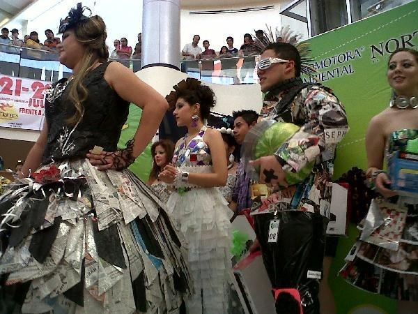 Vestidos Con Materiales Recicladosreciclables Muyjuarensecom