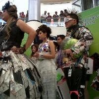 PASARELA DE GLAMOUR RECICLABLE