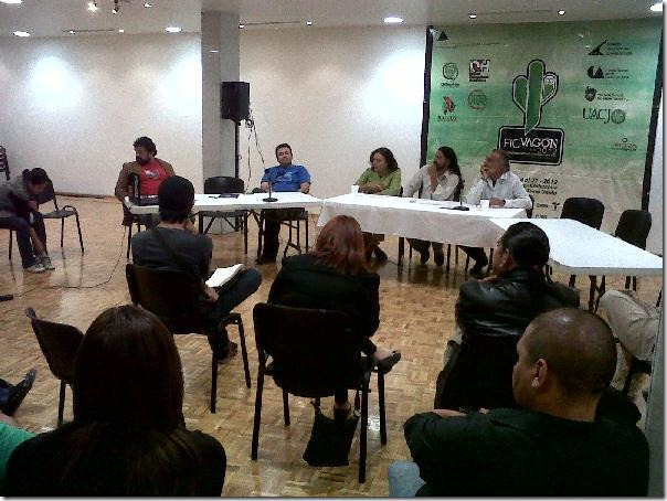 2012-10-11-fic-vagon-debate (2)