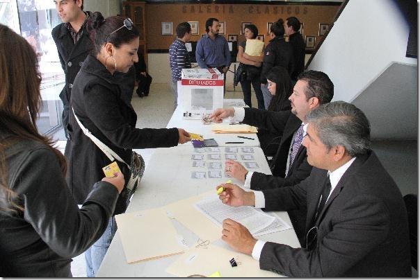 2012-11-15-elecciones-uacj (1)