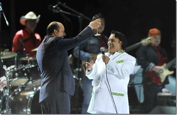 2012-11-20-juan-gabriel-estadio-juarez-vive (3)