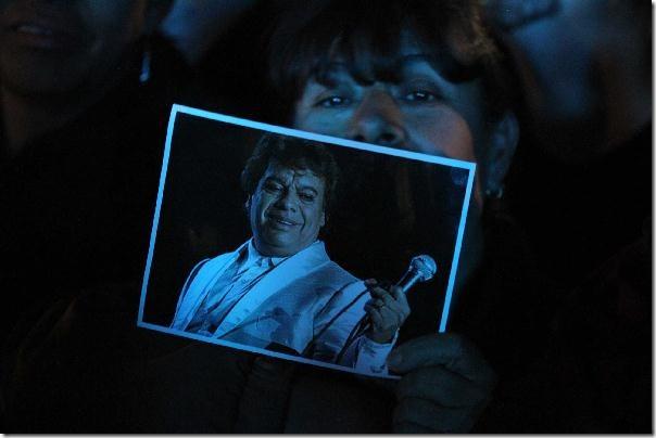 2012-11-20-juan-gabriel-estadio-juarez-vive