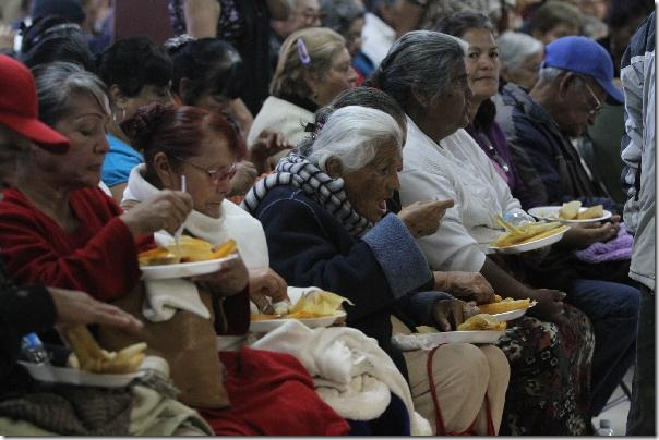 2012-12-14-posada-adultos-mayores (3)
