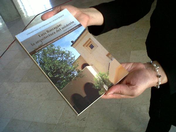 2013-libro-luis-barragan (3)