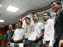 2013-03-13-medallistas-robotica (1)