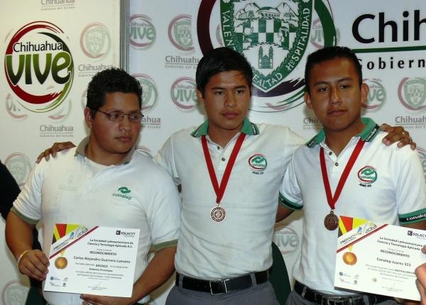 2013-03-13-medallistas-robotica