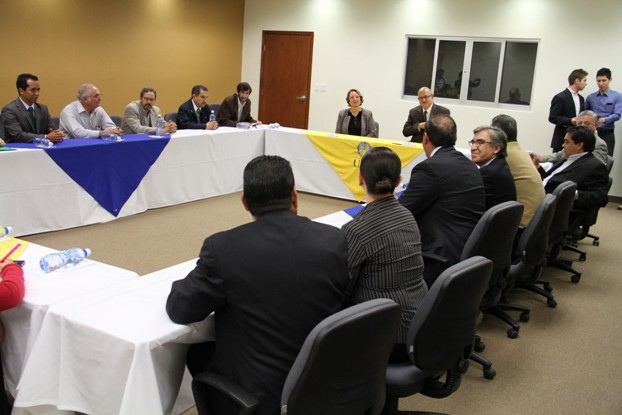2013-04-19-convenio-universidades (1)