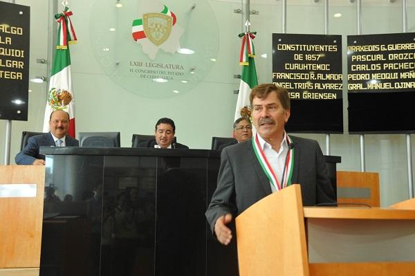 2013-08-08-medalla-merito-pilo (2)