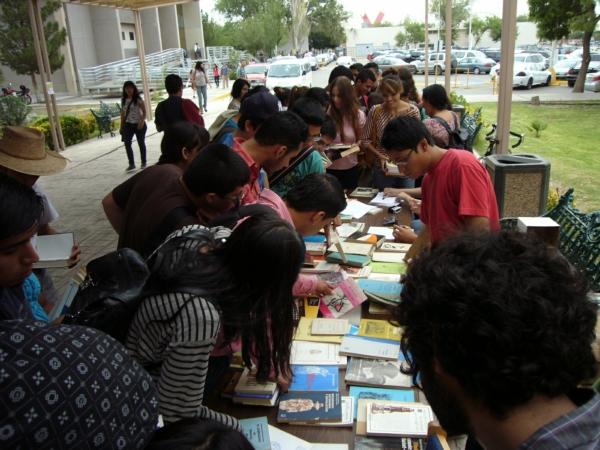 2013-08-15-libros-donacion (8)