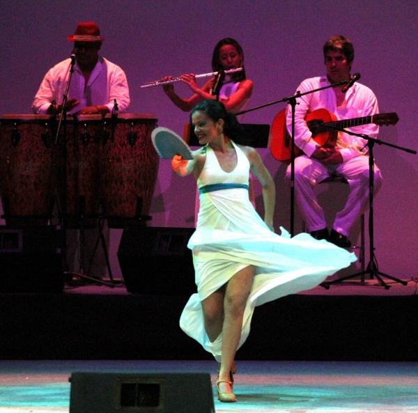2013-09-17-9o-fich-habana-compas-dance (1)