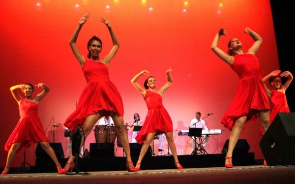 2013-09-17-9o-fich-habana-compas-dance (25)