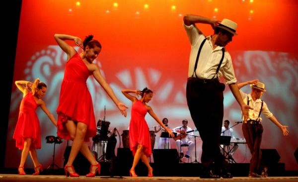 2013-09-17-9o-fich-habana-compas-dance (26)