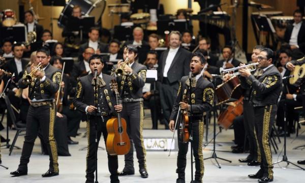 2013-09-22-9o-fich-osuacj-mariachi (3)