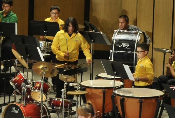 2013-09-24-9o-fich-esperanza-azteca (1)