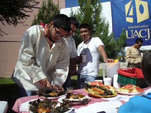 2013-09-30-xx-muestra-gastronomica-uacj (55)