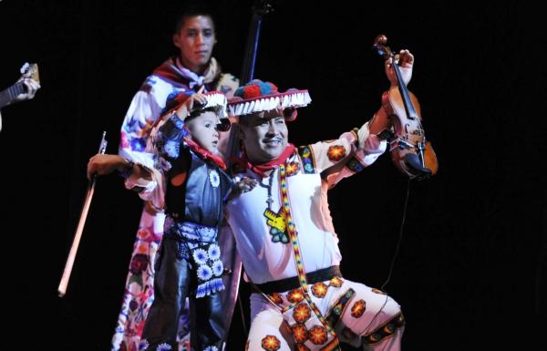 2013-10-03-9o-fich-soy-mariachi (5)