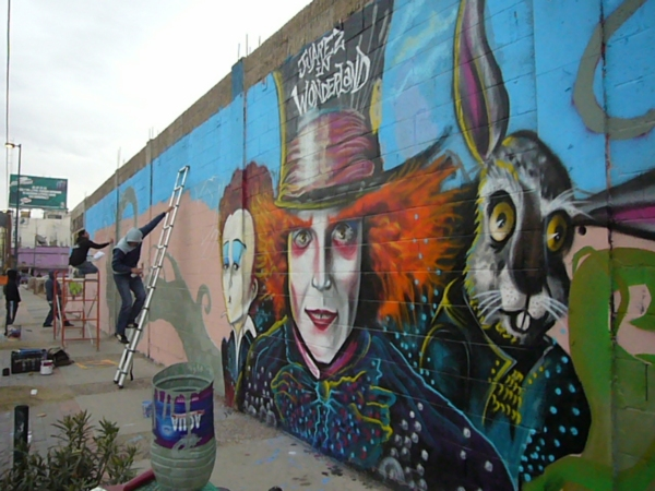 Ju rez in wonderland for Arte colectivo mural