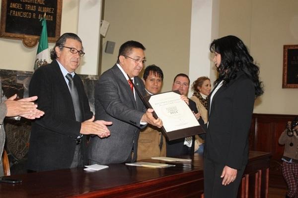 2013-12-13-ana-luisa-calvillo-premio-testimonio (3)