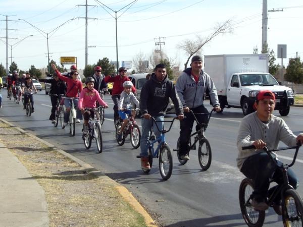 2014-02-01-bicicletada-uacj (16)
