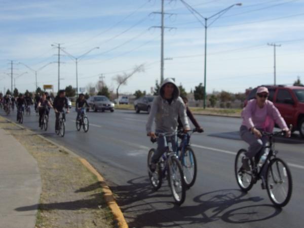2014-02-01-bicicletada-uacj (19)