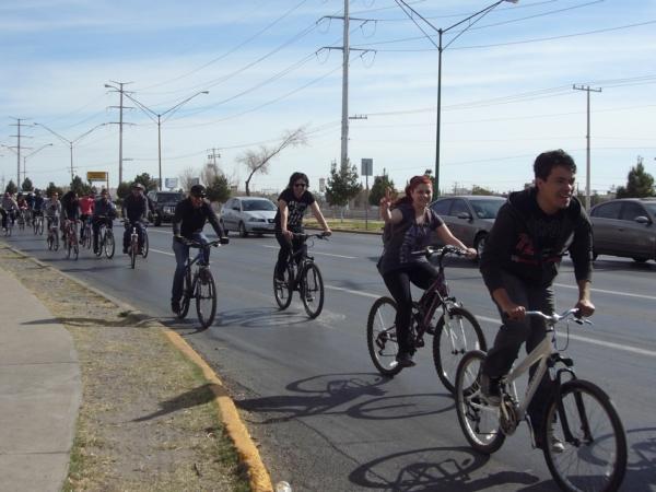 2014-02-01-bicicletada-uacj (20)