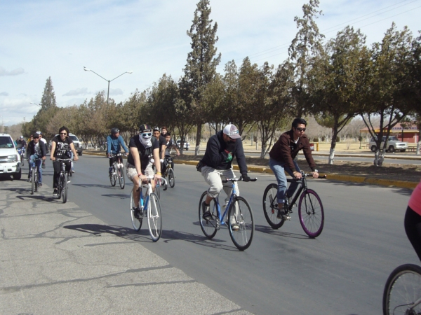 2014-02-01-bicicletada-uacj (35)