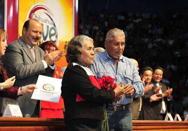 Evento de Los Matrimonios Colectivos de mas de Tres Mil parejas, presididos por el Gobernador del Estado Cesar Duarte, su Sra. Esposa Bertha Gomez de Duarte y autoridades del Registro Civil.
