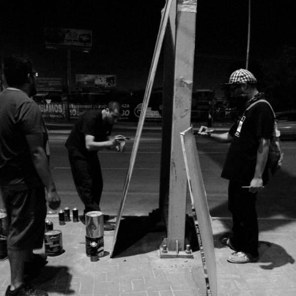 2014-06-26-protesta-artistas-puente-reves (10)