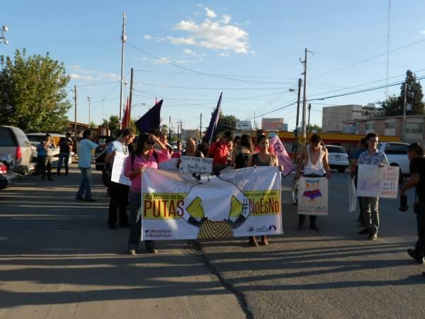 2014-08-30-4a-marcha-putas (31)