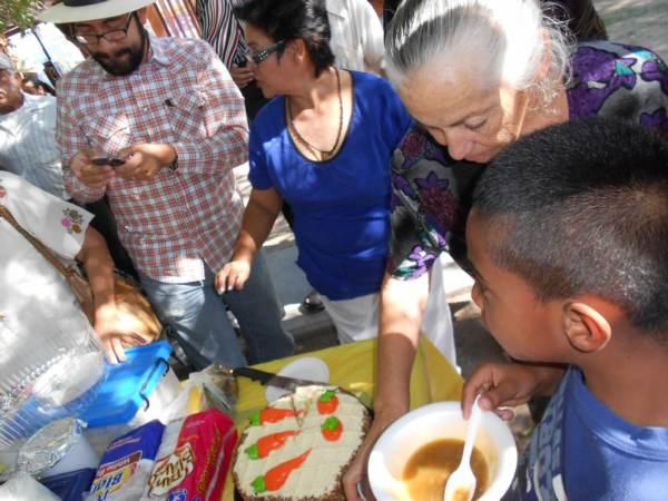 2014-08-31-festejo-braceros-cumpleaños (14)