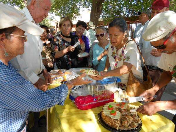 2014-08-31-festejo-braceros-cumpleaños (20)
