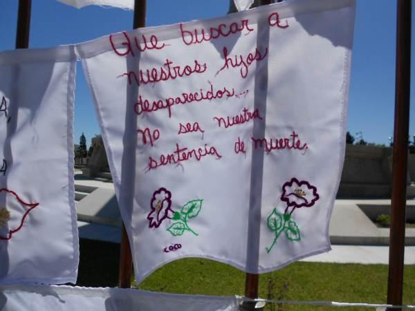2014-10-06-bordados-y-letrero (8)