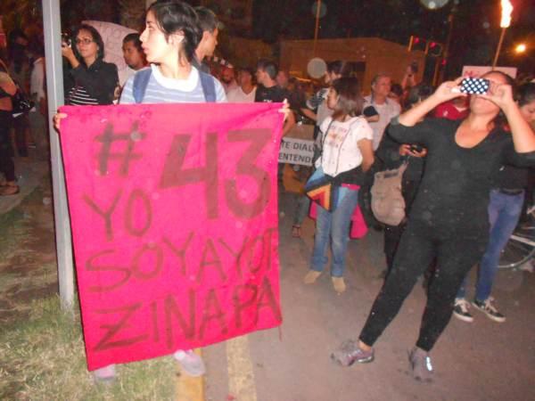 2014-10-22-2a-marcha-por-ayotzinapa (10)