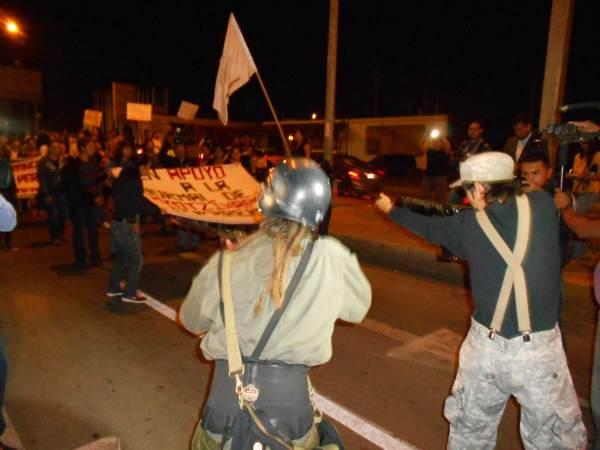 2014-10-22-2a-marcha-por-ayotzinapa (15)