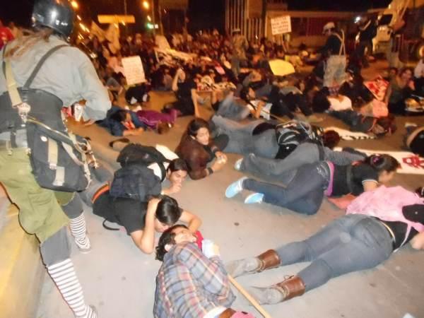2014-10-22-2a-marcha-por-ayotzinapa (17)