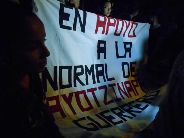 2014-10-22-2a-marcha-por-ayotzinapa (2)