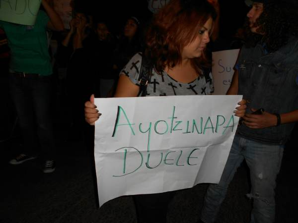 2014-10-22-2a-marcha-por-ayotzinapa (23)