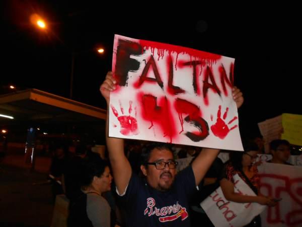 2014-10-22-2a-marcha-por-ayotzinapa (24)