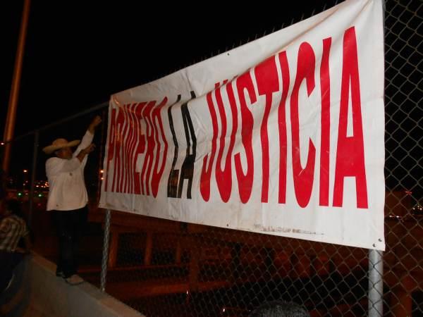 2014-10-22-2a-marcha-por-ayotzinapa (28)