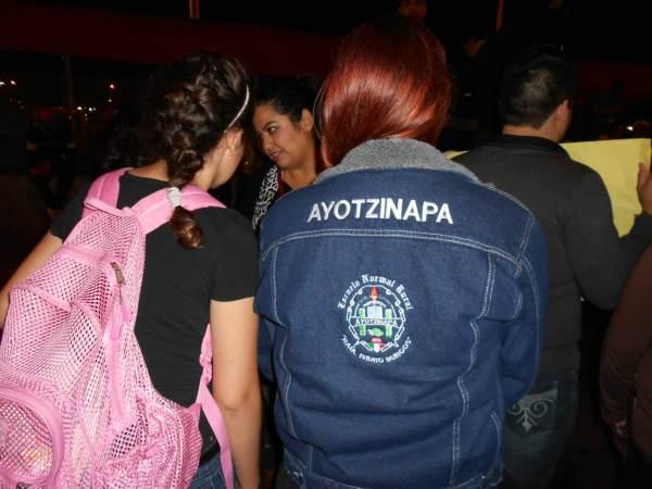 2014-10-22-2a-marcha-por-ayotzinapa (29)