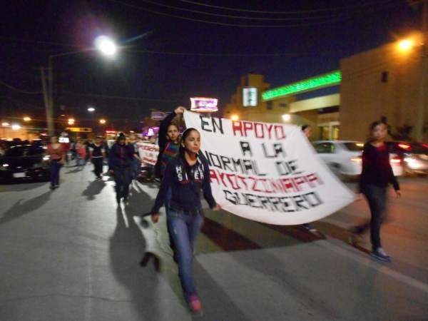 2014-10-22-2a-marcha-por-ayotzinapa (4)