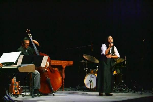2014-10-22-petit-band-y-marimba (4)