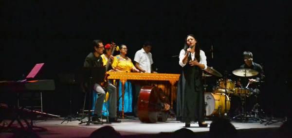 2014-10-22-petit-band-y-marimba (5)