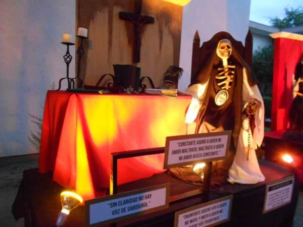 2014-11-02-altares-y-tumbas-iada (22)