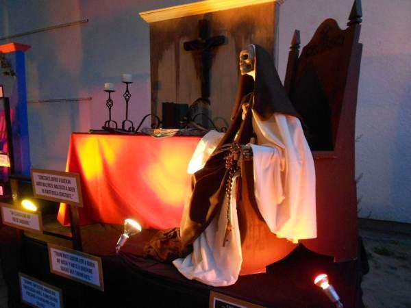 2014-11-02-altares-y-tumbas-iada (25)