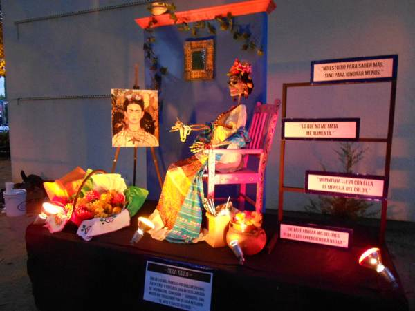 2014-11-02-altares-y-tumbas-iada (26)