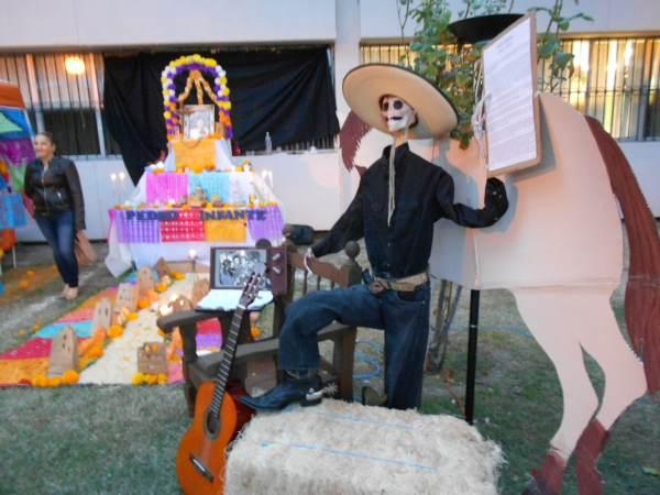 2014-11-02-altares-y-tumbas-iada (27)