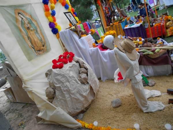 2014-11-02-altares-y-tumbas-iada (4)