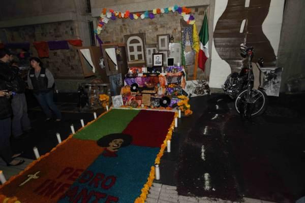 2014-11-03-altares-y-catrinas-zona-centro (3)