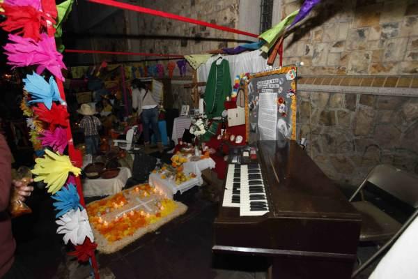 2014-11-03-altares-y-catrinas-zona-centro (4)